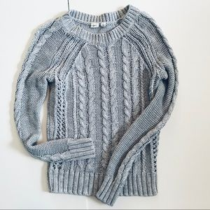 Gap sweater